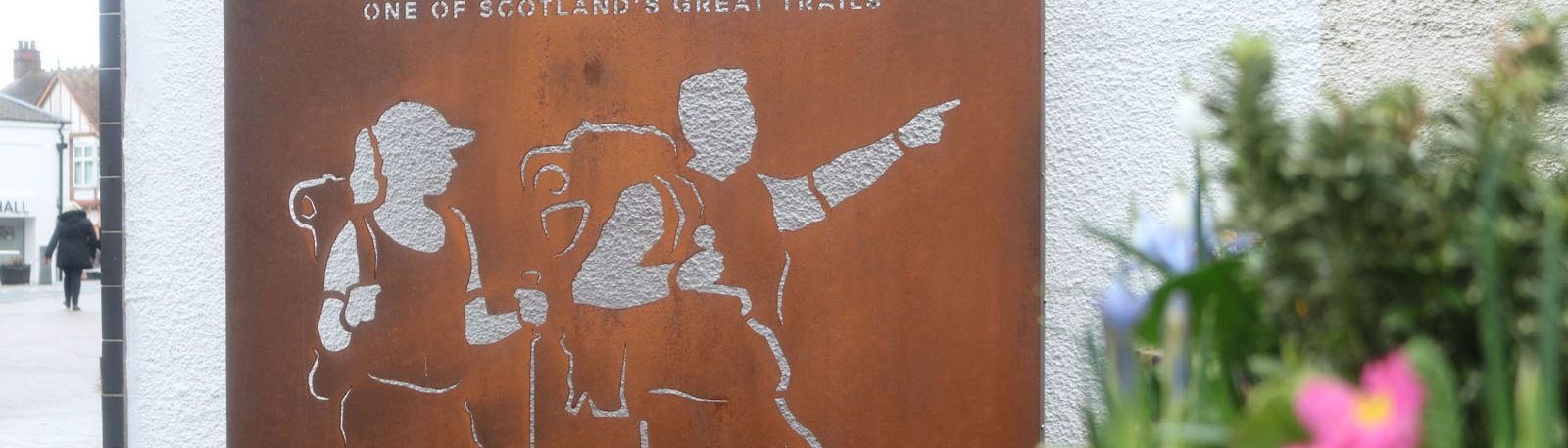 Information about Milngavie. Photo of West Highland Way Walker Outline