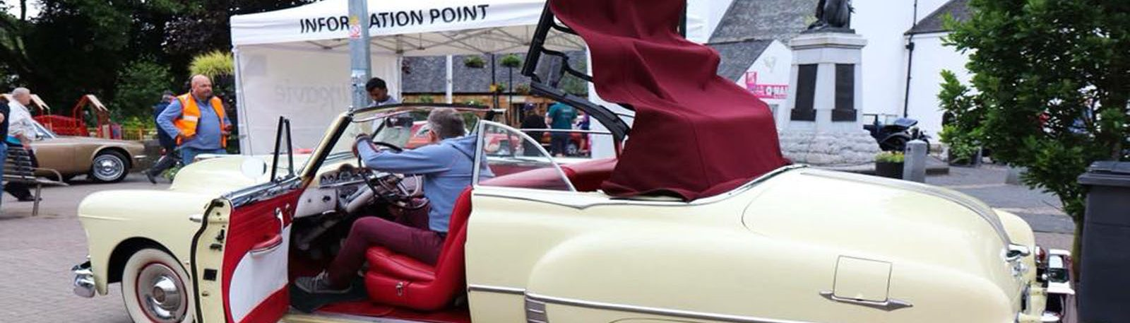 Classic car show in Milngavie